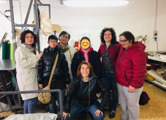Le ragazze di COLORI visitano Cucitomania. Una storia di coraggio e passione tutta al femminile!