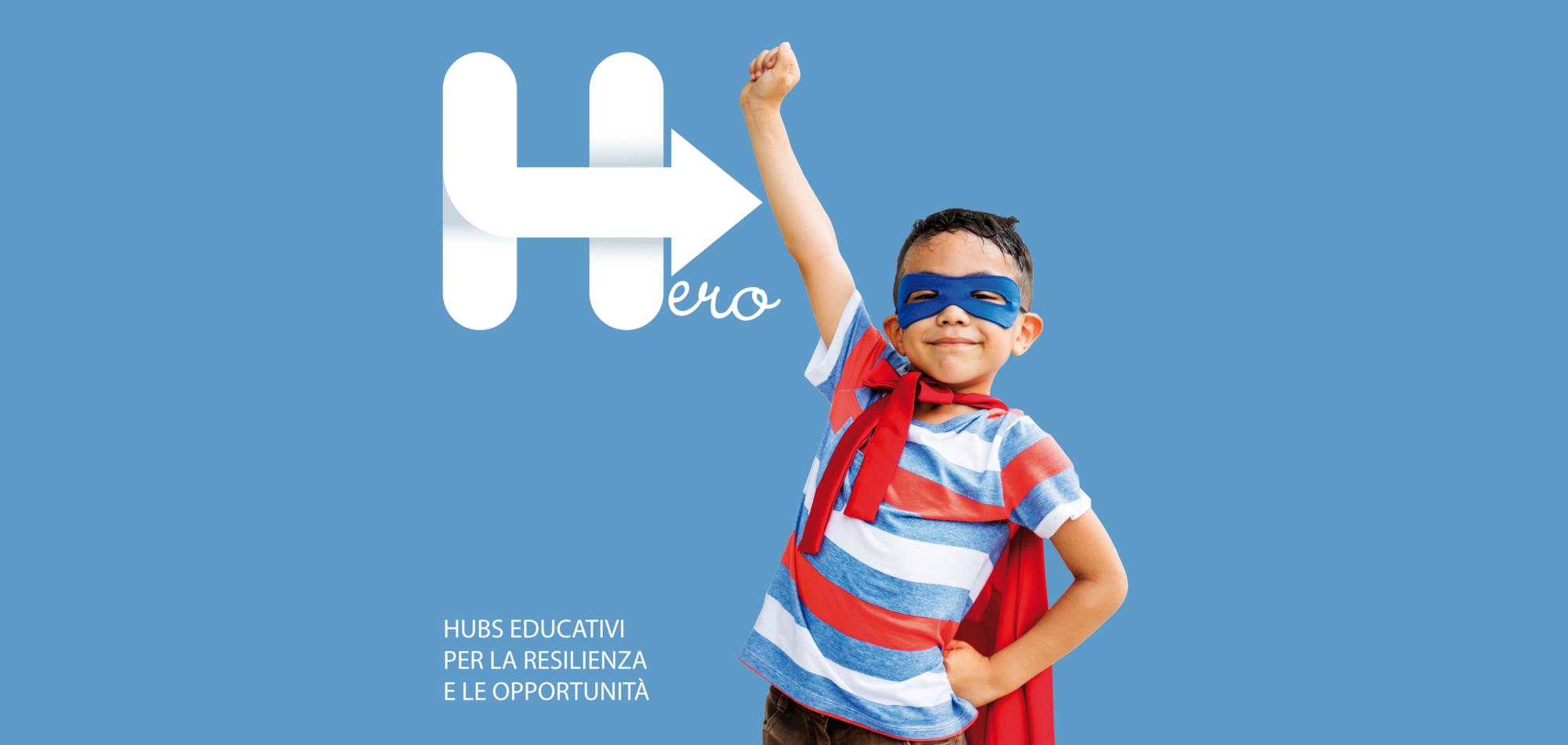 bambino vestito da eroe -hero