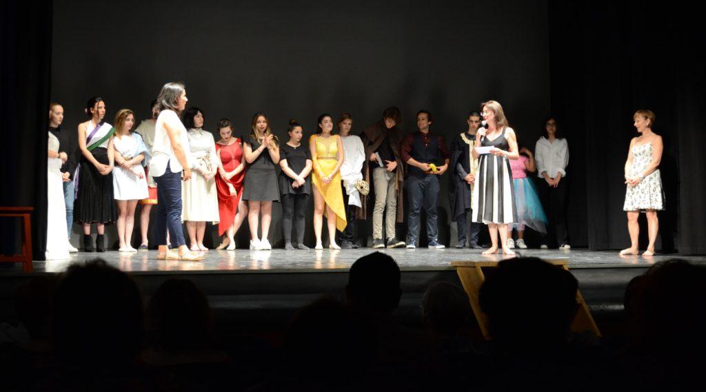 attori sul palco - spettacolo petrocchi